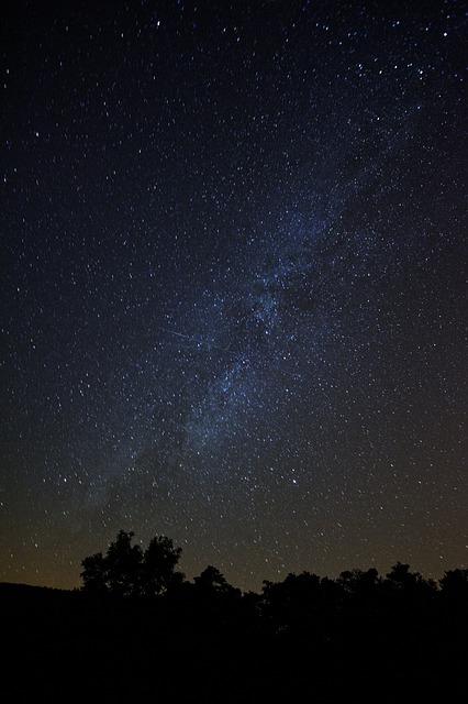 stars-768708_640.jpg